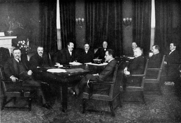 Theodore Roosevelt outgoing cabinet e1424978399573